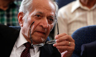Khodadoust, Iranian world renowned ophthalmologist, passed away at 82