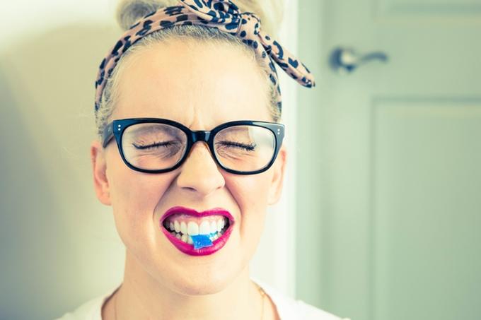 خمیردندان کپسولی، انتخابی به صرفه و بهداشتی تر برای مسواک زدن