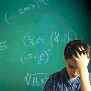 """""""پزشک ریاضی"""" دانش آموزان حساب گریز را معاینه می کند"""