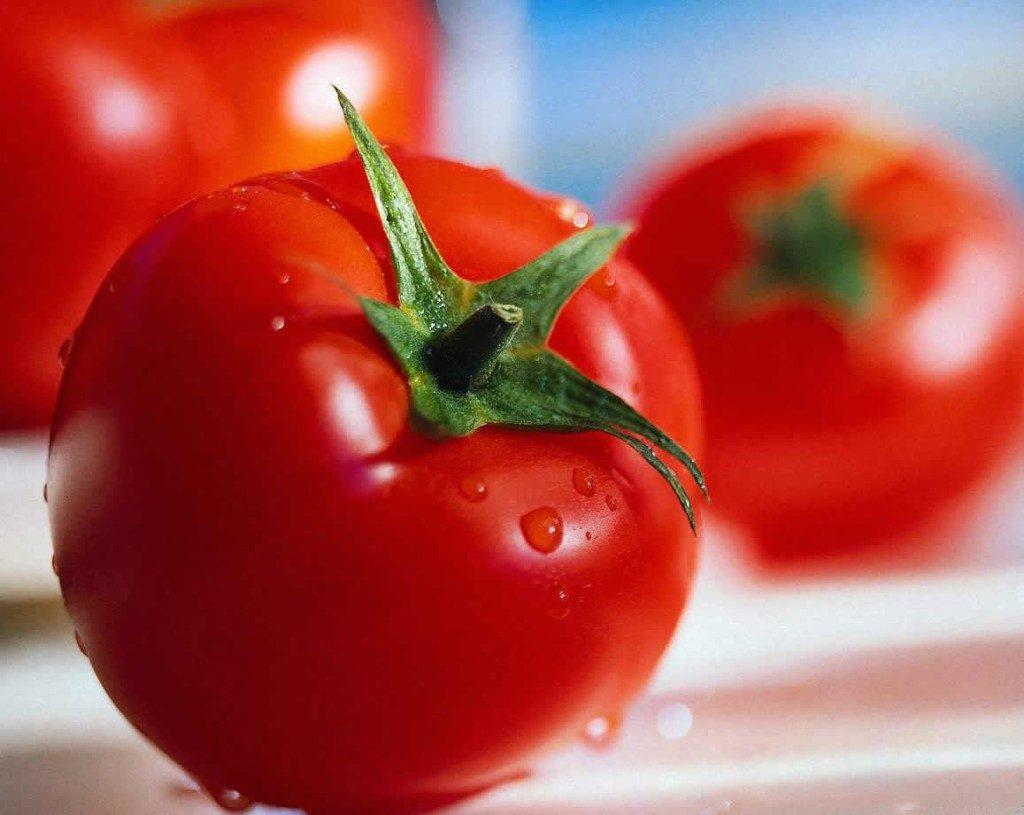 چرا گوجه فرنگی در یخچال بیمزه می شود؟