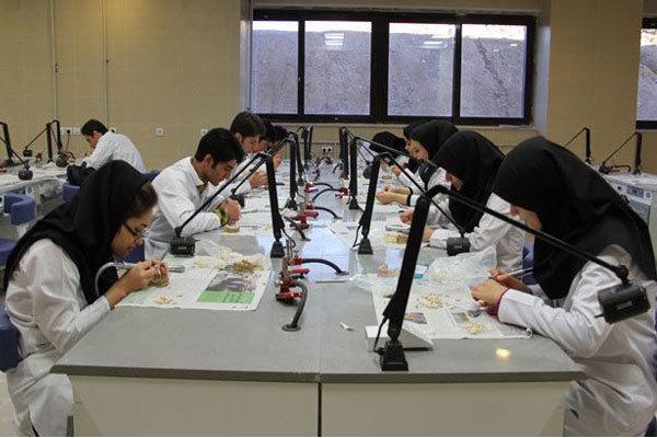 دانشگاههای علوم پزشکی آزاد اسلامی در مراکز استانها هم تشکیل میشود