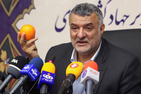 با درخواست و حمایت جامعه کشاورزی: حجتی، وزیر جهاد کشاورزی می ماند