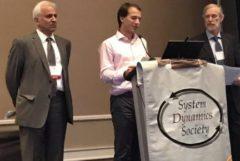 دکتر مشایخی، برنده جایزه یک عمر تلاش جامعه بینالمللی دینامیک سیستمها شد