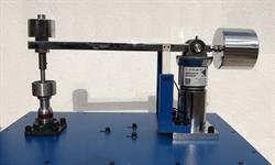 تولید دستگاه صنعتی آزمون سایش توسط فناوران کشور