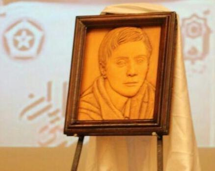 رونمایی از تندیس «مریم میرزاخانی» در کنفرانس ریاضی ایران
