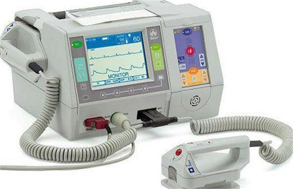 ساخت دستگاه الکتروشوک قلبی با فناوری جدید در کشور