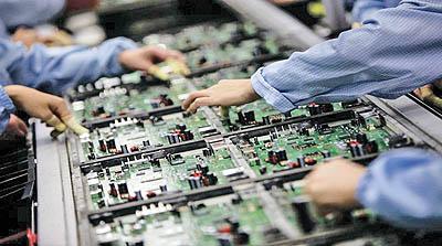 بومیسازی چندین قطعه الکترونیکی صنایع برق و پتروشیمی در کشور