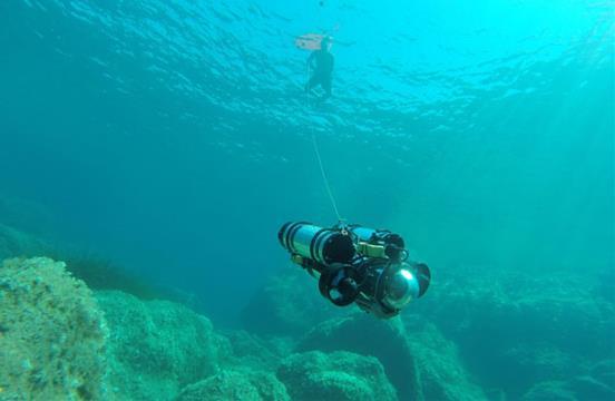 انجام عملیات در عمق ۲۰۰ متری آبها با رباتهای زیردریایی ایرانی