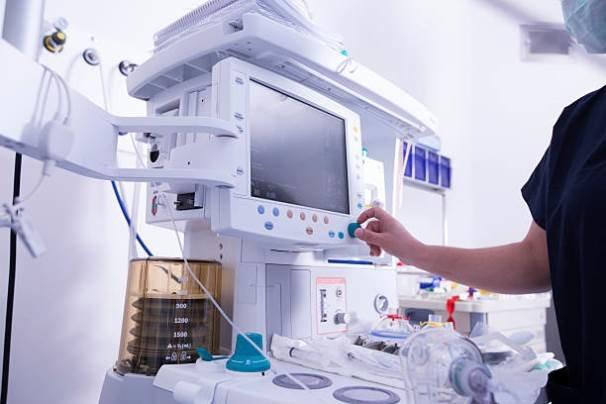 امضای تفاهمنامه «توسعه تولید محصولات دانشبنیان سلامت»