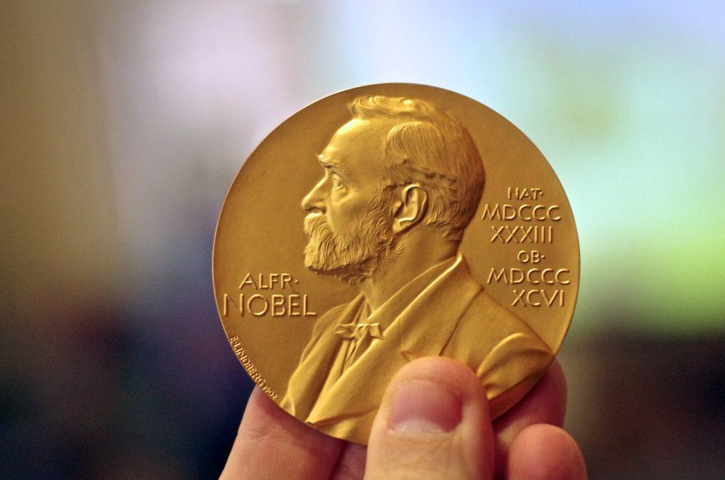 سه فیزیکدان با امواج گرانشی، برنده نوبل فیزیک ۲۰۱۷ شدند