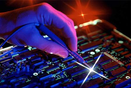 ساخت دستگاه های سه آزمایشگاه مهندسی برق توسط دانشجویان دانشگاه تفرش