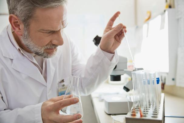 صندوق حمایت از پژوهشگران اعلام کرد: اجرای ۴۰۴ پروژه تحقیقاتی، تولید ۴۶ محصول  و اعطای ۶۱ کرسی پژوهشی تا کنون