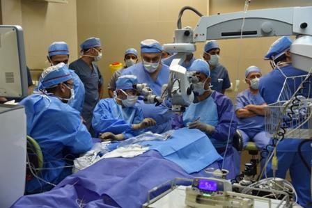 درمان نابینایی مطلق با نخستین جراحی پیوند شبکیه مصنوعی در کشور