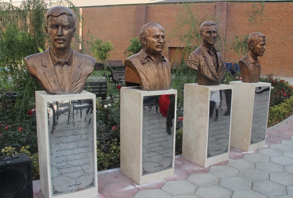 سردیس شهید شریف واقفی و سه شهید هسته ای در دانشگاه شریف رونمایی شد