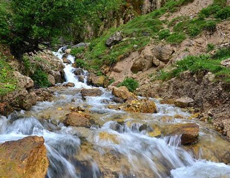 چشمه های آب، طعمه فریبنده گسل ها برای کشاندن مردم به کام زلزله