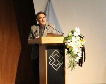 وزیر راه: مهندس معین فر، الگوی خستگیناپذیری و تسلیم نشدن در شکست هاست