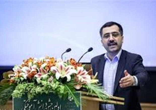 آخوند زاده: بودجه پژوهشی ترکیه ۱۰ برابر ایران است/نیمی از اعتبارات تحقیقاتی امسال وزارت بهداشت محقق نشده است