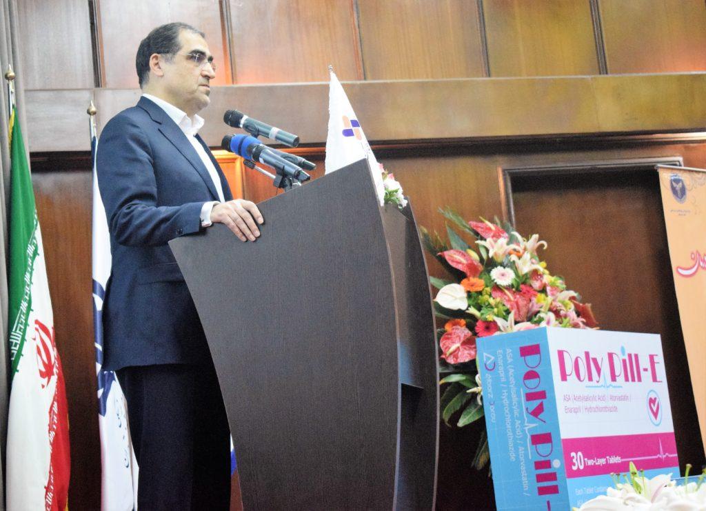وزیر بهداشت در مراسم رونمایی از دو داروی ایرانی: تلاش چند ساله برای تولید «پلی پیل» و «سووداک»، الگویی عملی برای محققان علوم پزشکی است