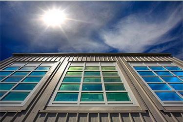 ساخت شیشه هوشمند با قابلیت کنترل جذب نور در کشور