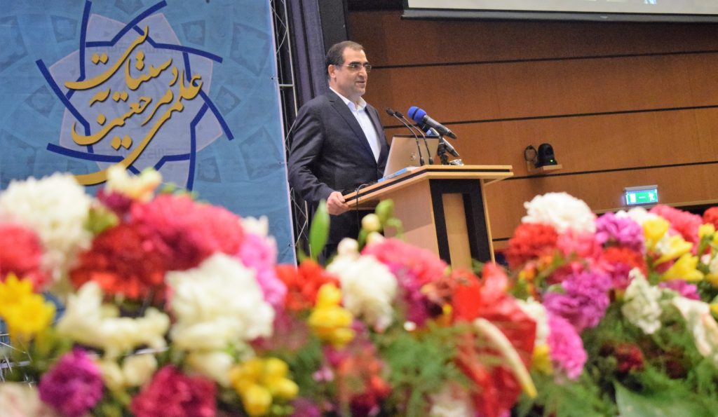 وزیر بهداشت در جمع ۶۲۰ دانشمند برتر علوم پزشکی کشور: دکتر ملک زاده بدون تردید برترین دانشمند اعتمادآفرین جمع حاضر است