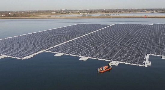 نخستین نیروگاه خورشیدی شناور در کشور ساخته شد