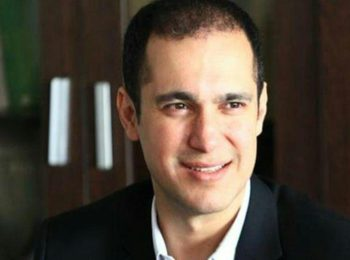 کاوه مدنی: عاشقانه در کنار مردم ایران می ایستم + متن استعفای معاون سابق سازمان حفاظت محیط زیست