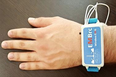 ساخت دستگاه الکترومایوگرافی بی سیم برای ثبت فعالیتهای الکتریکی عضلات بدن به همت محققان دانشگاهی