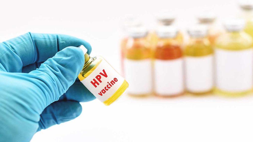 معاون تحقیقات وزیر بهداشت: واکسن HPV  ایرانی به مرحله پایانی تولید رسید/ جامع ترین نتایج ثبت سرطان دهانه رحم مبتنی بر کل جمعیت زنان کشور اعلام شد