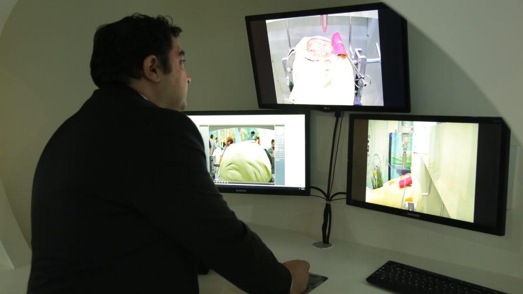 پژوهشگران ایرانی موفق به ساخت ربات جراحی از راه دور بر روی بافت سخت جمجمه انسان شدند