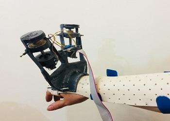 ساخت دستکش لرزش گیر برای مبتلایان پارکینسون در کشور