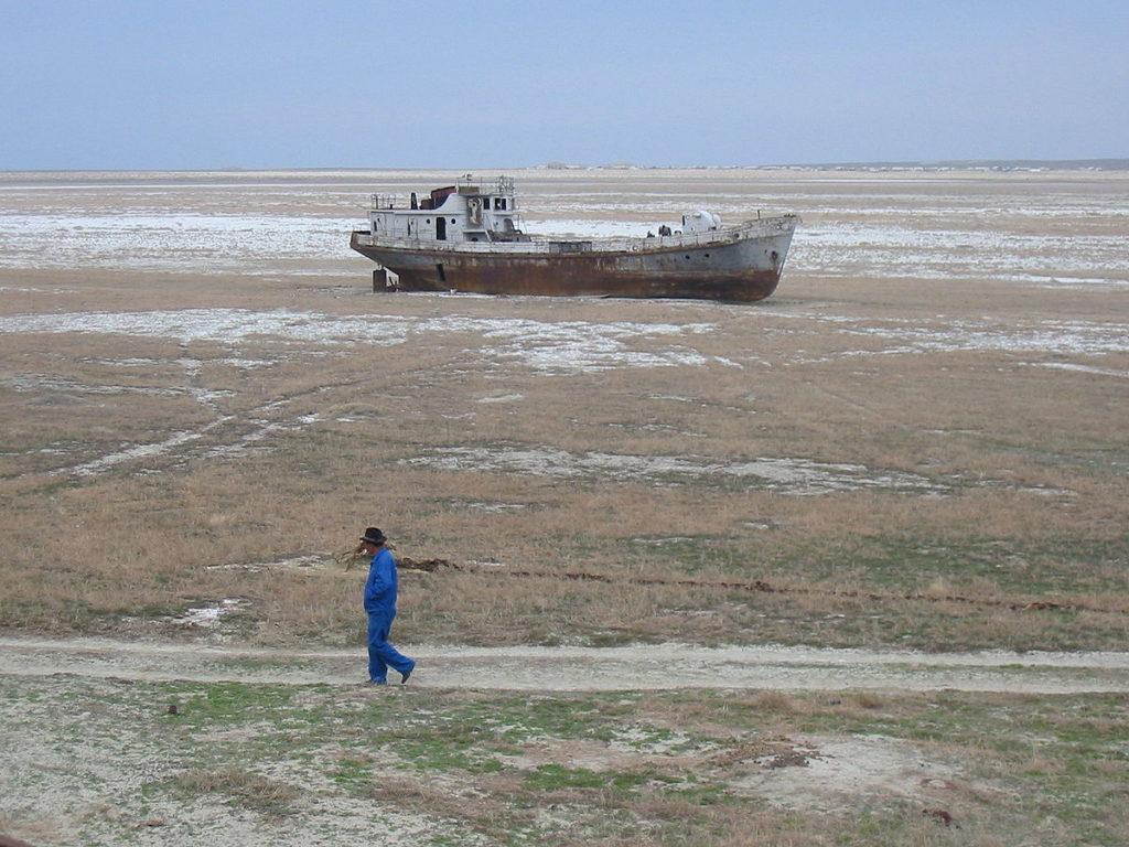 دامنه اثر توفانهای نمکی دریاچه ارومیه بسیار کمتر از دریاچه آرال است
