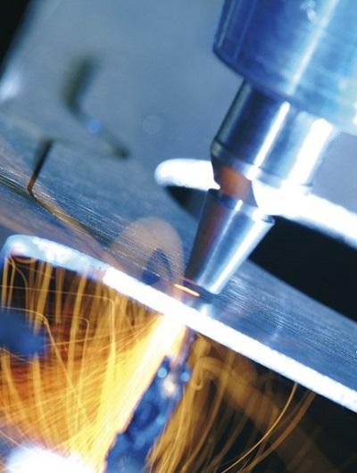 تجاری سازی دستاورد محققان مرکز ملی لیزر: سیستم جوش لیزری به فولاد مبارکه می رود