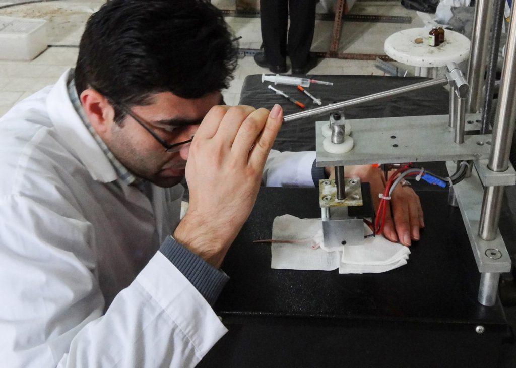 اختراع دستگاه ایجاد سوختگی در پوست در دانشگاه تبریز!/ نوآوری در خدمت شکنجه حیوانات!؟