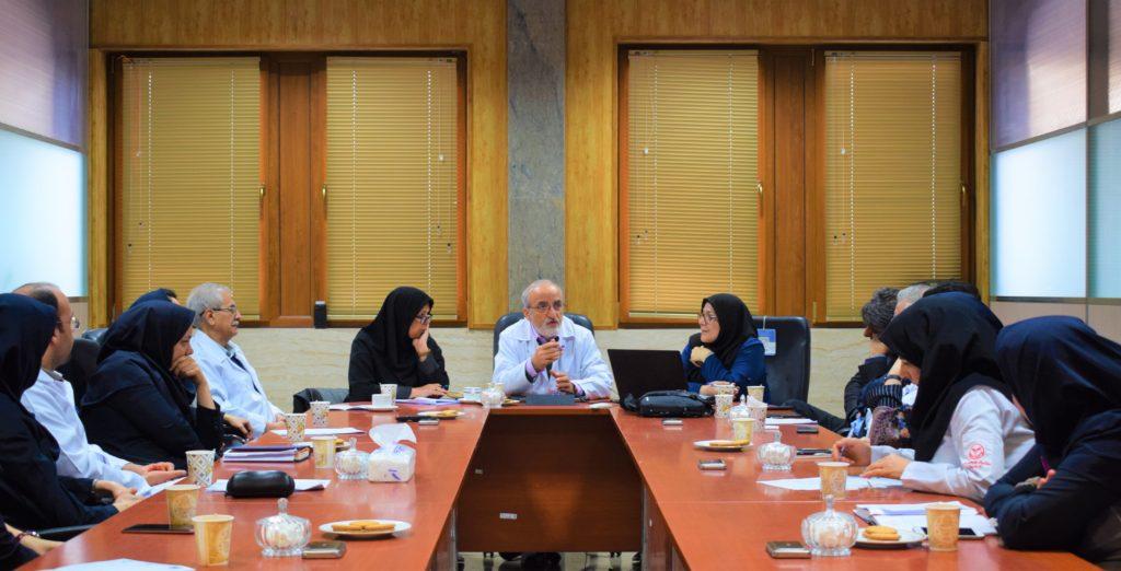ملک زاده خبر داد: اجرای نخستین دوره های «آموزش مهارتی تخصصی پرستاری و  تحقیقات بالینی گوارش»