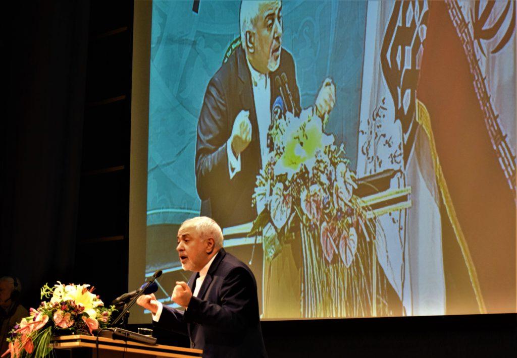 ظریف در همایش مرجعیت علمی ایران: دنیا دیگر غرب محور نیست