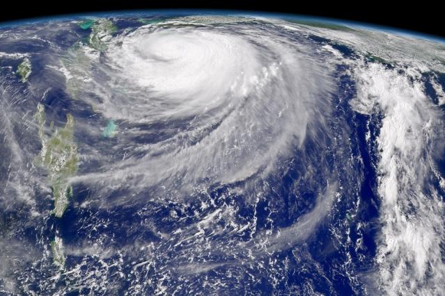 پیشکسوت هواشناسی هشدار داد: احتمال وقوع طوفانی بسیار عظیم در خلیج فارس