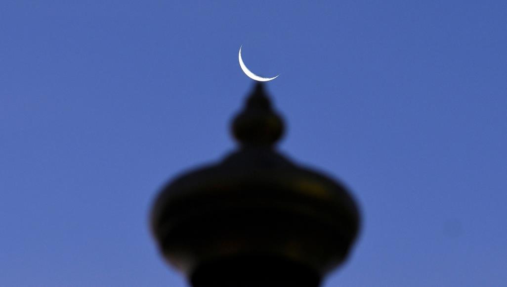 عضو ستاد استهلال: هلال ماه شوال، شامگاه چهارشنبه با ابزار رصدی در مناطق مختلف کشور قابل رویت است