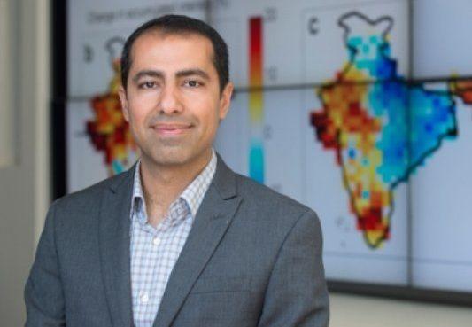 پژوهشگر ایرانی، جایزه دانشمند جوان اتحادیه جهانی زمین سنجی را دریافت کرد