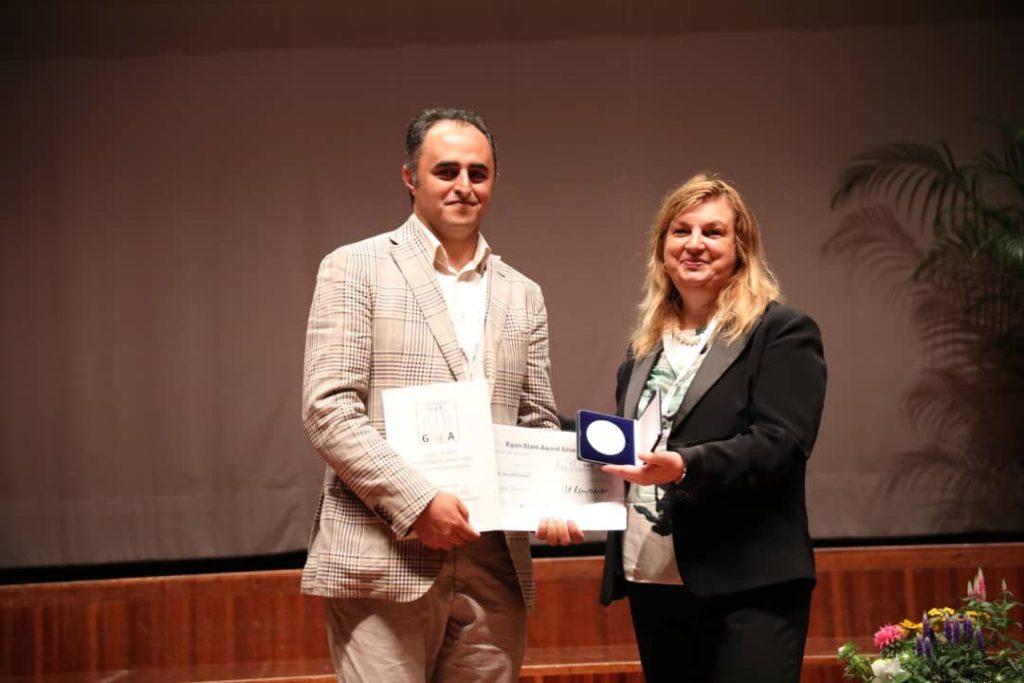 شیمیدان ایرانی، برنده یکی از معتبرترین جوایز علمی گیاهان دارویی شد