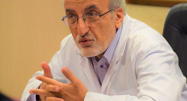 معاون تحقیقات وزیر بهداشت در پاسخ به تردیدافکنی ها در همکاری ایران با مطالعه WHO برای درمان کووید-۱۹: هیچ کشوری قهرمان نیست، اتحاد جهانی تنها راه شکست کروناست!