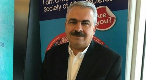 استاد دانشگاه علوم پزشکی ایران : دفاع وزیر بهداشت از «دانشمندان طب سنتی» مرزهای دانش و شبه دانش را در انظار عموم مخدوش می کند