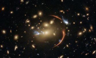تصویر شگفتانگیز هابل از کهکشانی در فاصله ۱۰ میلیارد سال نوری زمین