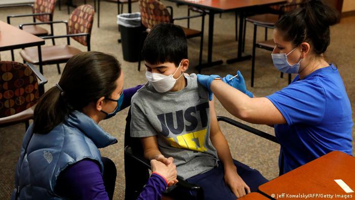 گسترش واکسیناسیون کرونا در آلمان به کودکان بالای ۱۲ سال