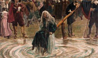 قربانیانی که به عنوان جادوگر جانشان را از دست میدهند